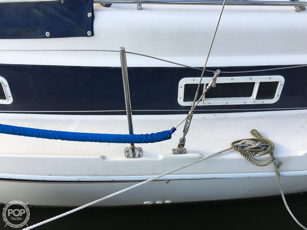 1992 Endeavour boat for sale, model of the boat is Cat 30 & Image # 24 of 40