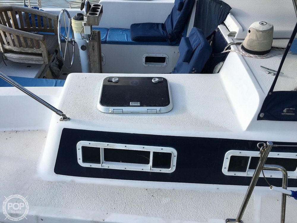 1992 Endeavour boat for sale, model of the boat is Cat 30 & Image # 34 of 40