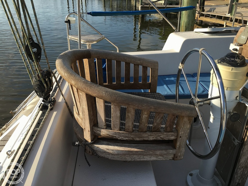 1992 Endeavour boat for sale, model of the boat is Cat 30 & Image # 38 of 40