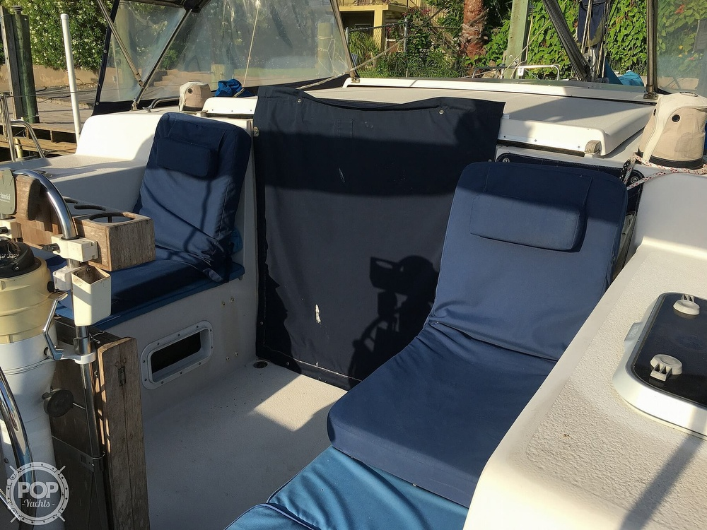 1992 Endeavour boat for sale, model of the boat is Cat 30 & Image # 36 of 40
