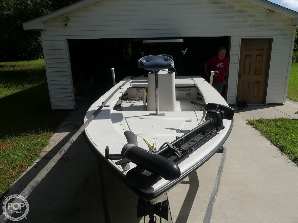1997 Hewes boat for sale, model of the boat is Redfisher 18 & Image # 3 of 40