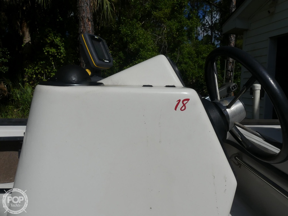 1997 Hewes boat for sale, model of the boat is Redfisher 18 & Image # 6 of 40