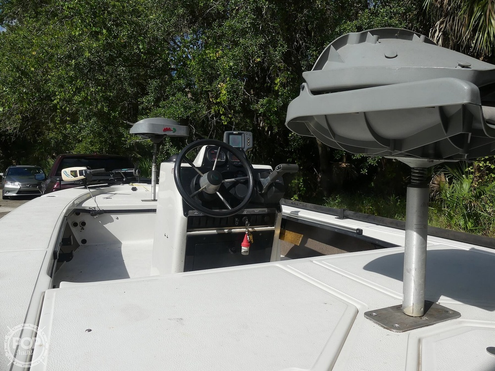 1997 Hewes boat for sale, model of the boat is Redfisher 18 & Image # 7 of 40