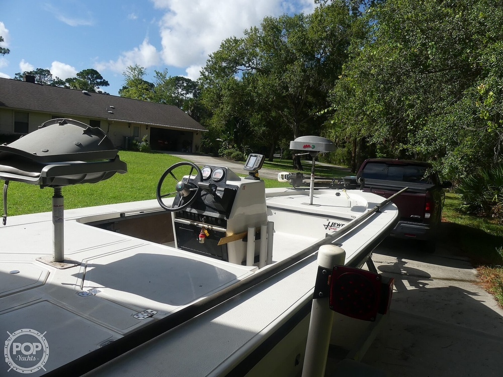 1997 Hewes boat for sale, model of the boat is Redfisher 18 & Image # 8 of 40