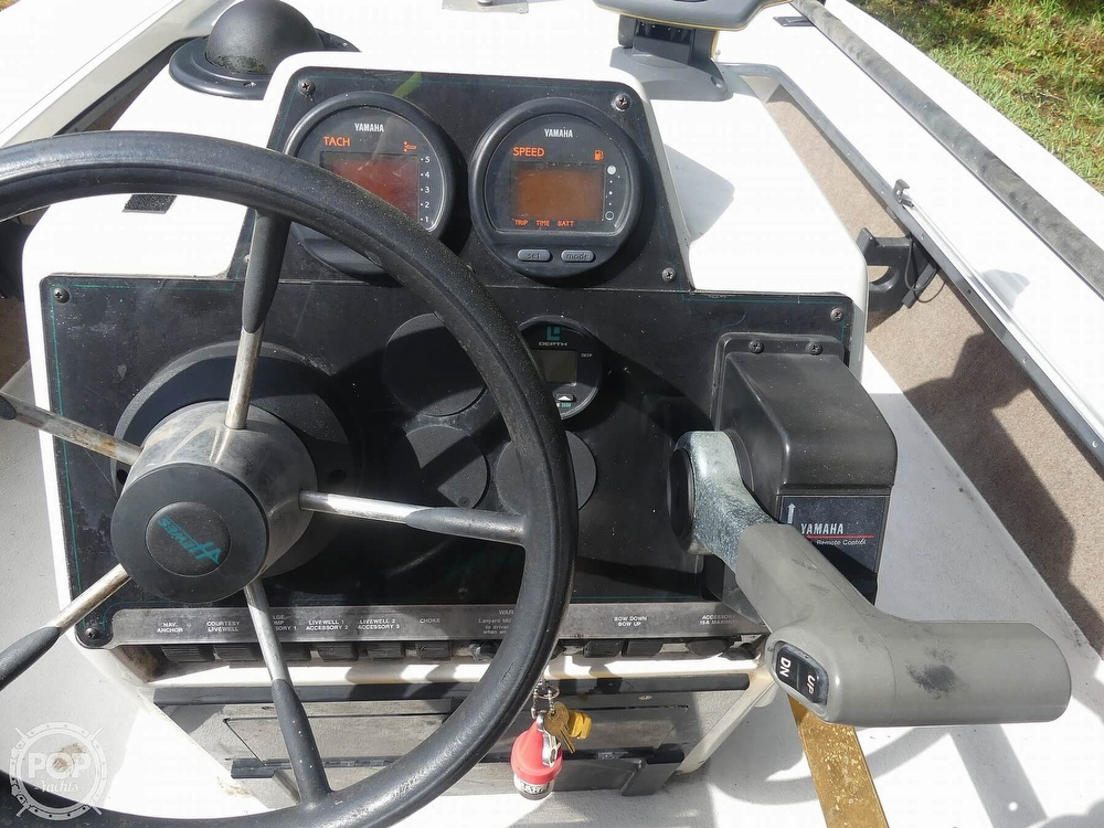 1997 Hewes boat for sale, model of the boat is Redfisher 18 & Image # 26 of 40