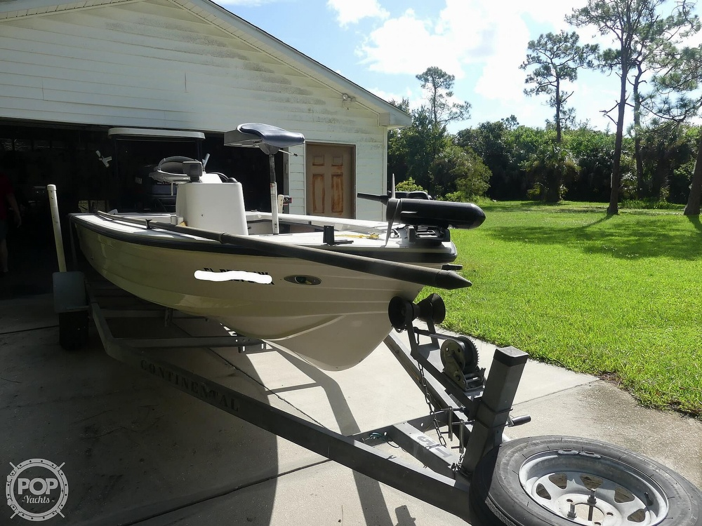 1997 Hewes boat for sale, model of the boat is Redfisher 18 & Image # 2 of 40