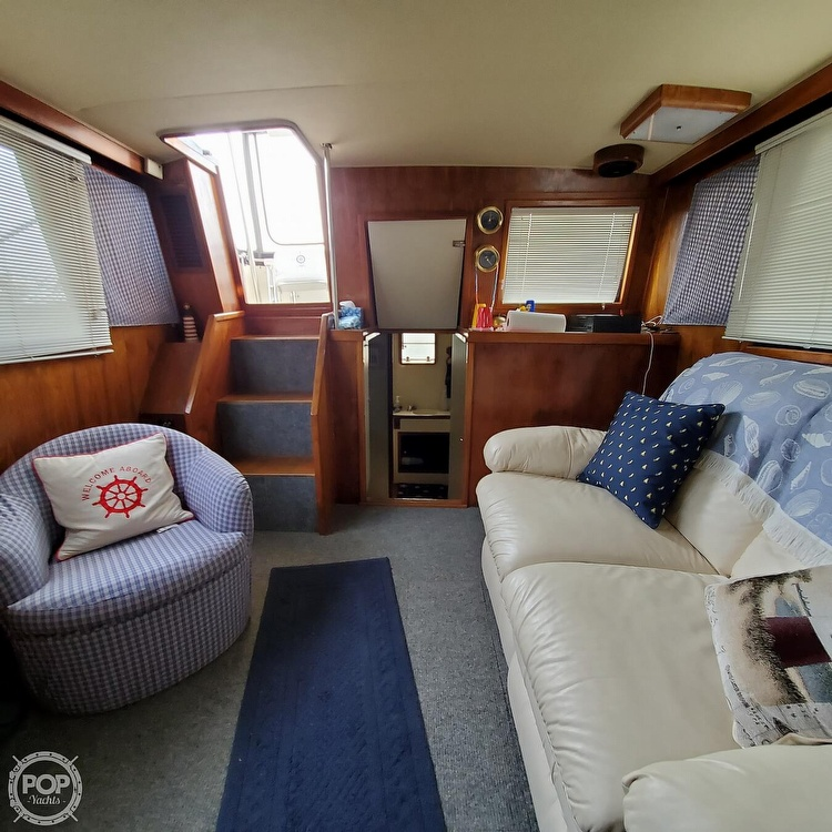 1985 Wellcraft boat for sale, model of the boat is Californian 35 MY & Image # 31 of 40