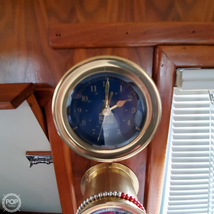 1985 Wellcraft boat for sale, model of the boat is Californian 35 MY & Image # 34 of 40