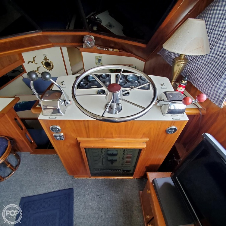 1985 Wellcraft boat for sale, model of the boat is Californian 35 MY & Image # 4 of 40
