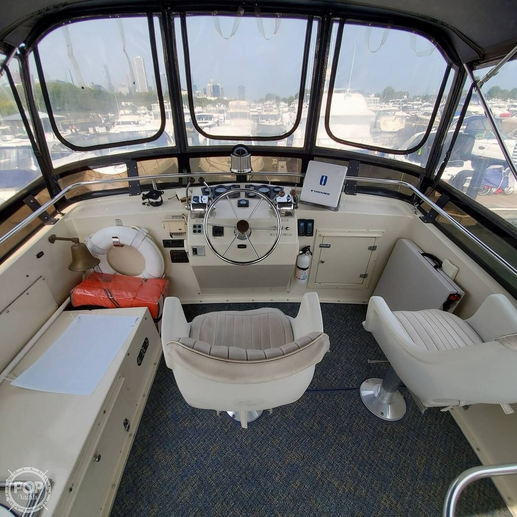 1985 Wellcraft boat for sale, model of the boat is Californian 35 MY & Image # 3 of 40