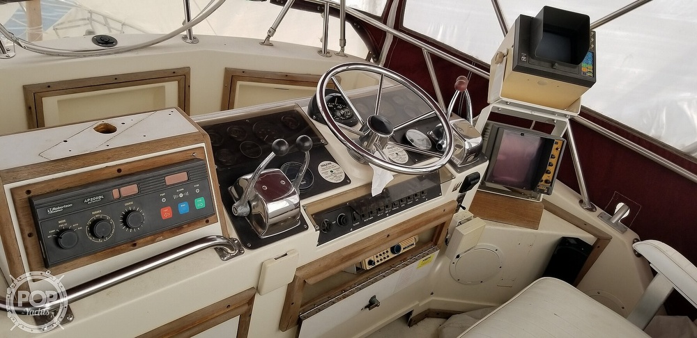 1986 Blackfin boat for sale, model of the boat is 32 Flybridge & Image # 4 of 12