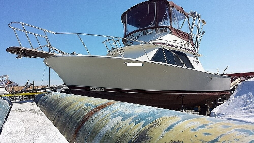 1986 Blackfin boat for sale, model of the boat is 32 Flybridge & Image # 10 of 12