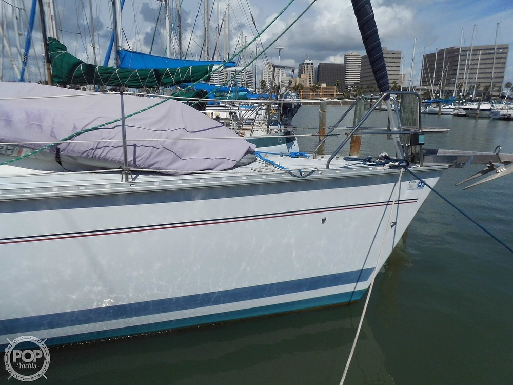1997 Hunter boat for sale, model of the boat is Passage 42 & Image # 14 of 40