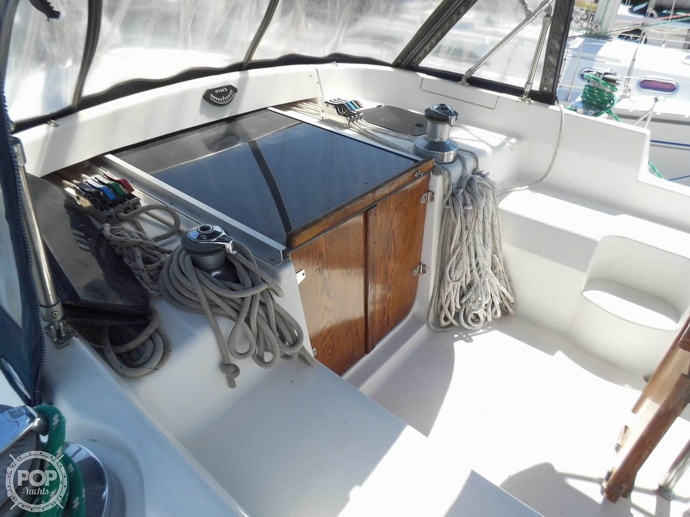 1997 Hunter boat for sale, model of the boat is Passage 42 & Image # 25 of 40