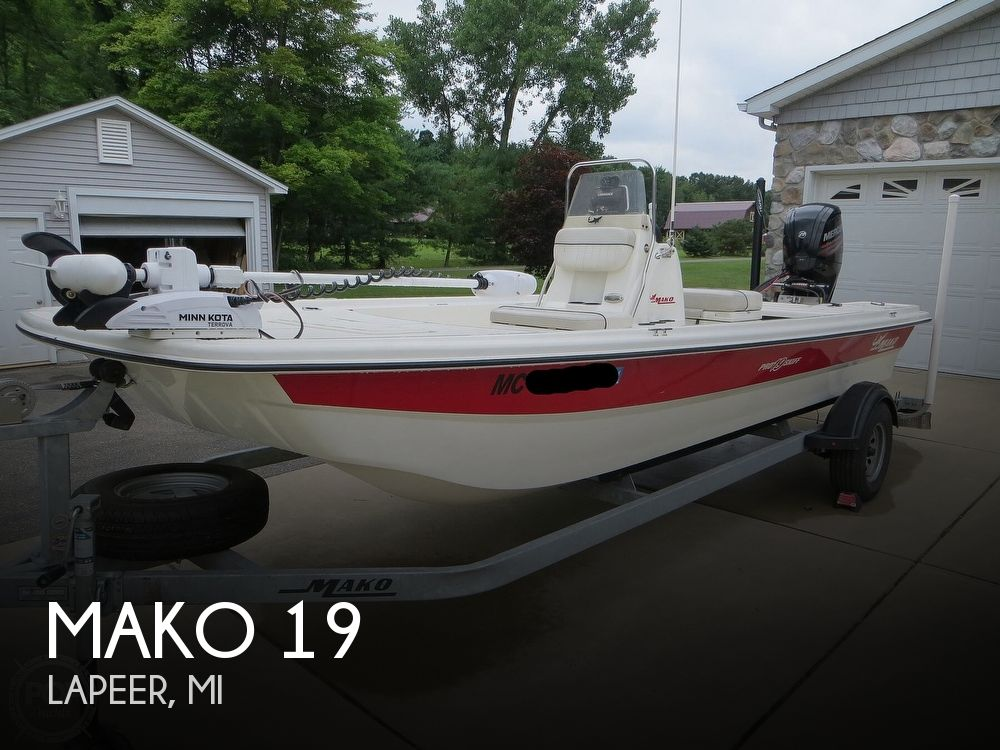 2017 Mako boat for sale, model of the boat is Pro Skiff 19 CC & Image # 1 of 40