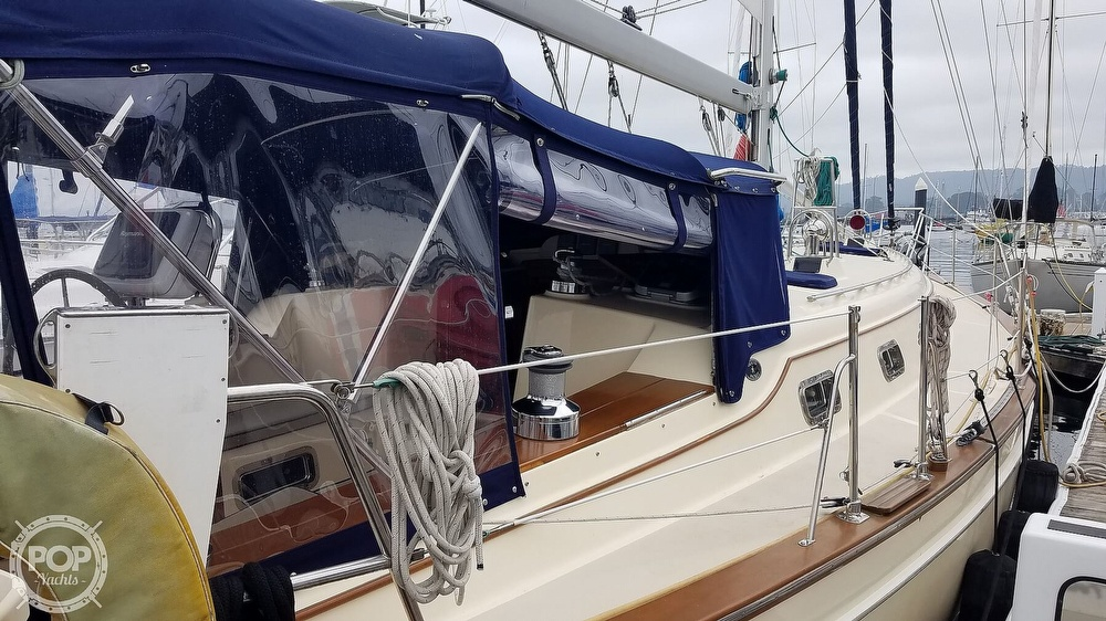2005 Island Packet boat for sale, model of the boat is 420 & Image # 5 of 40