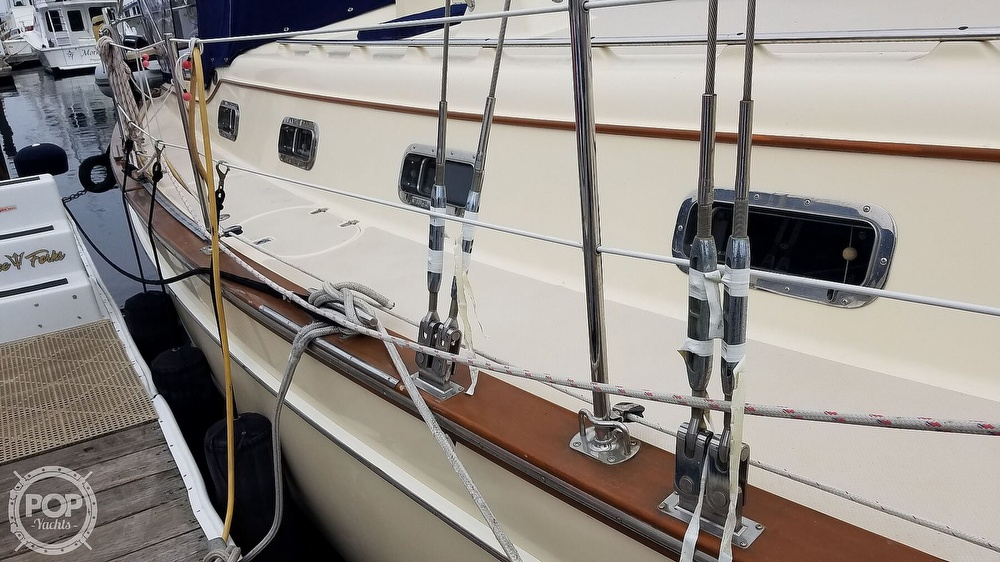 2005 Island Packet boat for sale, model of the boat is 420 & Image # 20 of 40