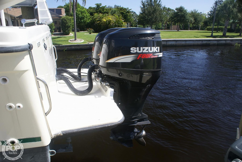2000 Trophy boat for sale, model of the boat is 2802 DX/LX & Image # 9 of 40