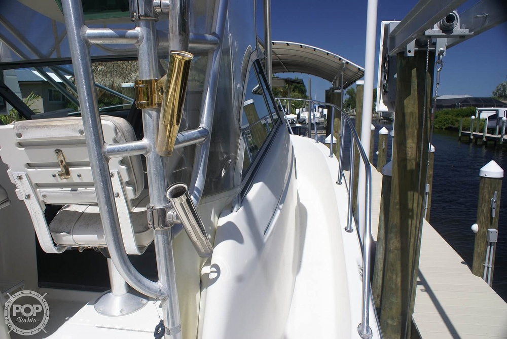 2000 Trophy boat for sale, model of the boat is 2802 DX/LX & Image # 2 of 40
