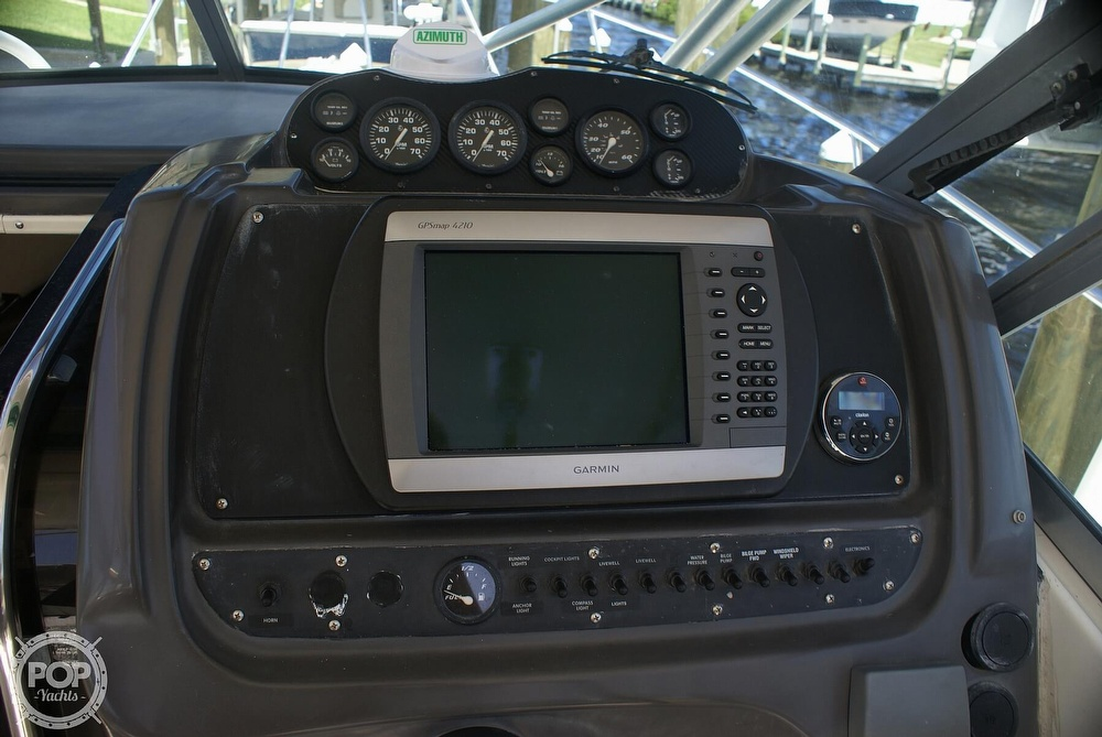 2000 Trophy boat for sale, model of the boat is 2802 DX/LX & Image # 16 of 40