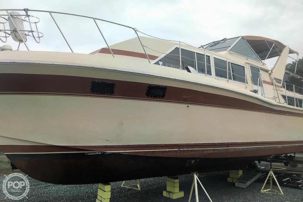 1982 Chris Craft boat for sale, model of the boat is Catalina 381 & Image # 12 of 40