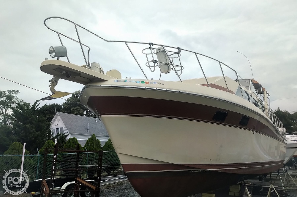 1982 Chris Craft boat for sale, model of the boat is Catalina 381 & Image # 13 of 40