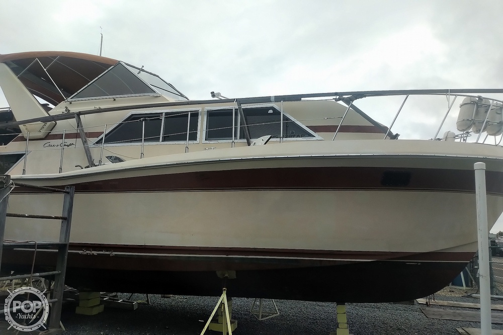 1982 Chris Craft boat for sale, model of the boat is Catalina 381 & Image # 16 of 40