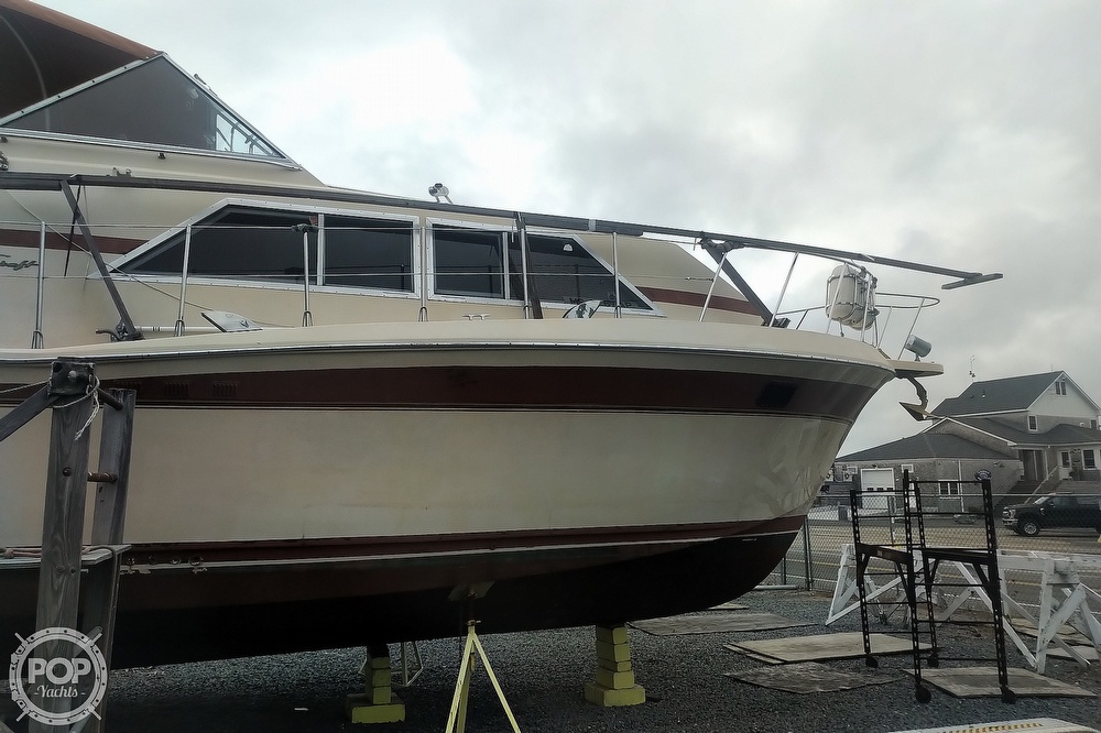 1982 Chris Craft boat for sale, model of the boat is Catalina 381 & Image # 17 of 40
