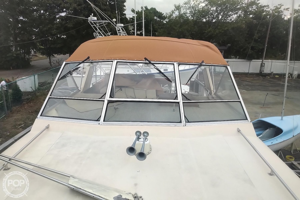 1982 Chris Craft boat for sale, model of the boat is Catalina 381 & Image # 38 of 40