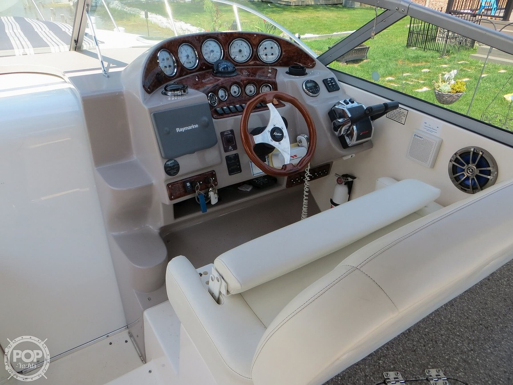 2003 Rinker boat for sale, model of the boat is 312 Fiesta Vee & Image # 26 of 40