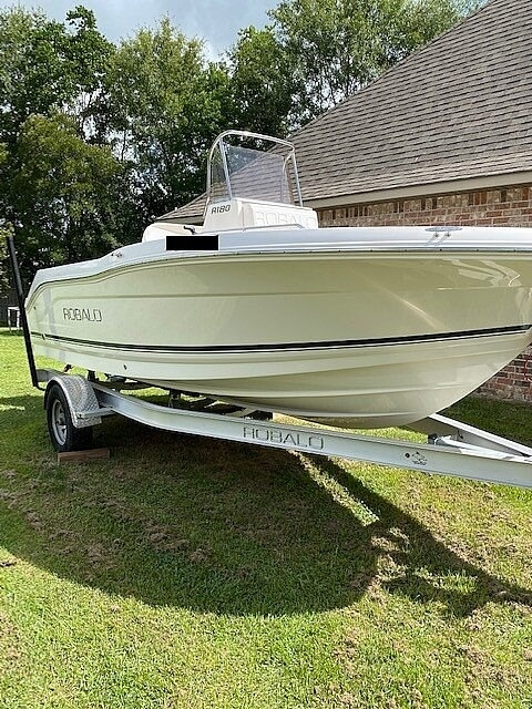 2018 Robalo boat for sale, model of the boat is R180 & Image # 2 of 40