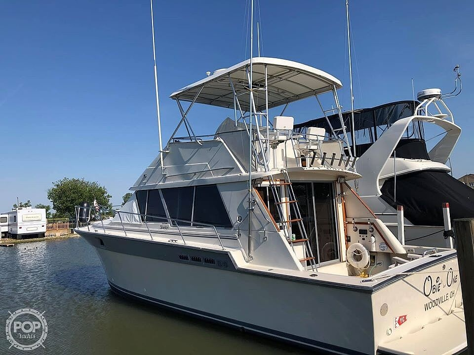 1988 Silverton boat for sale, model of the boat is 40 Convertible & Image # 2 of 10