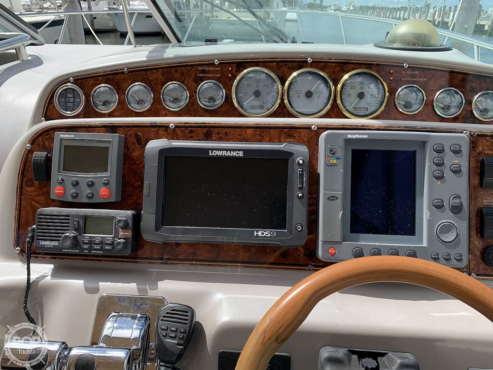 2000 Wellcraft boat for sale, model of the boat is 3300 Martinique & Image # 39 of 40