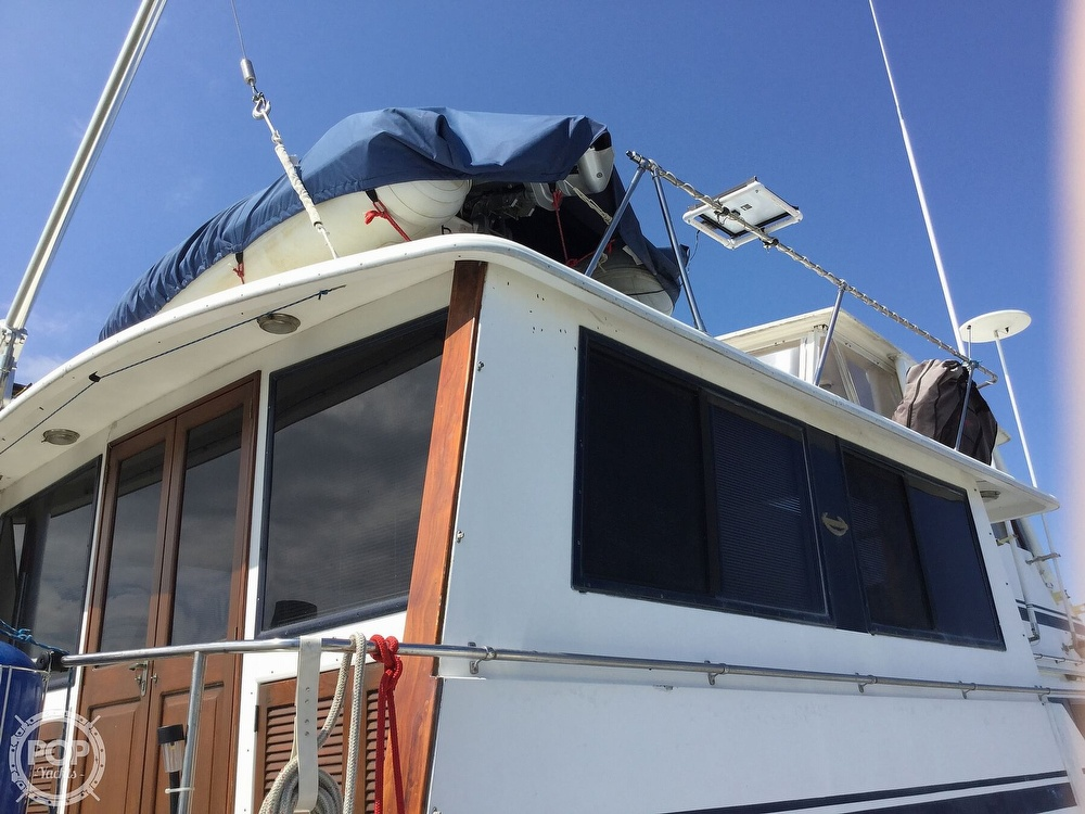 1985 Gulfstar boat for sale, model of the boat is 49 MY & Image # 10 of 40