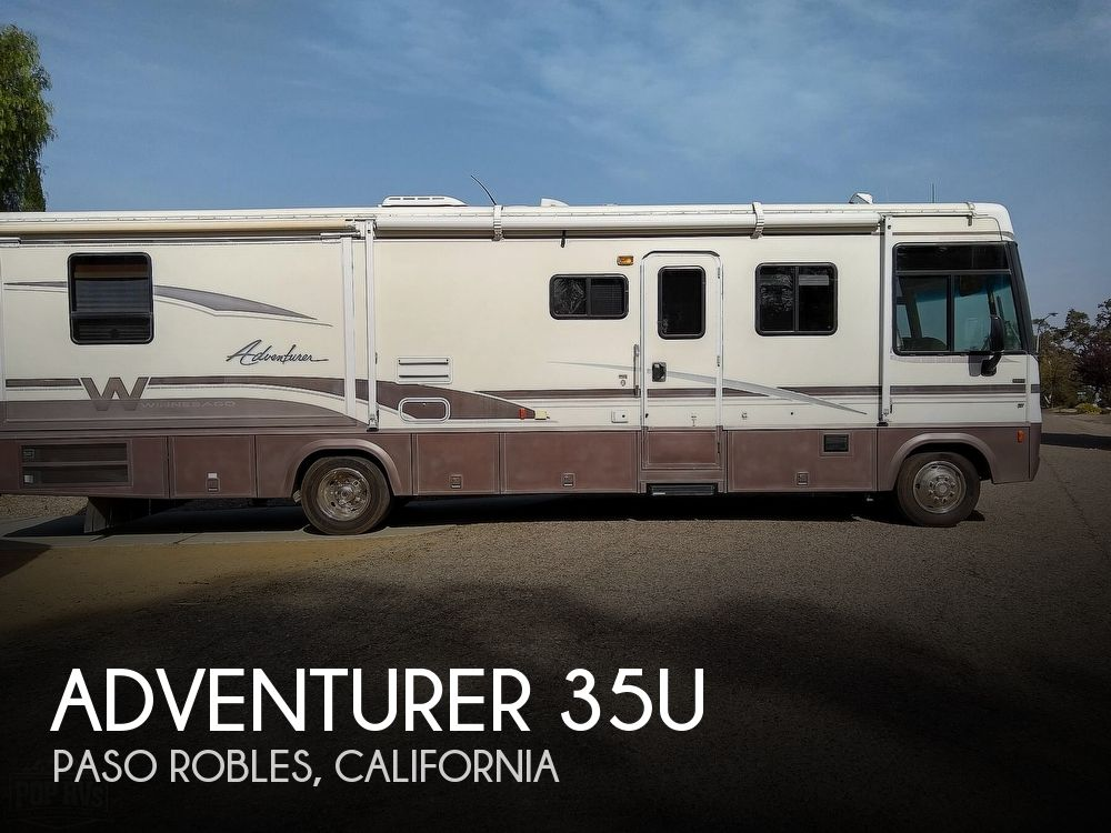 2000 Winnebago Adventurer 35U
