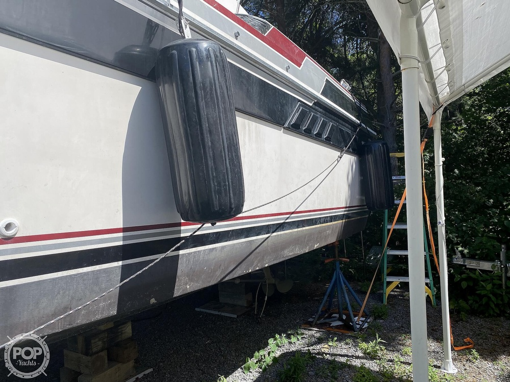 1989 Wellcraft boat for sale, model of the boat is 3200 St. Tropez & Image # 10 of 40
