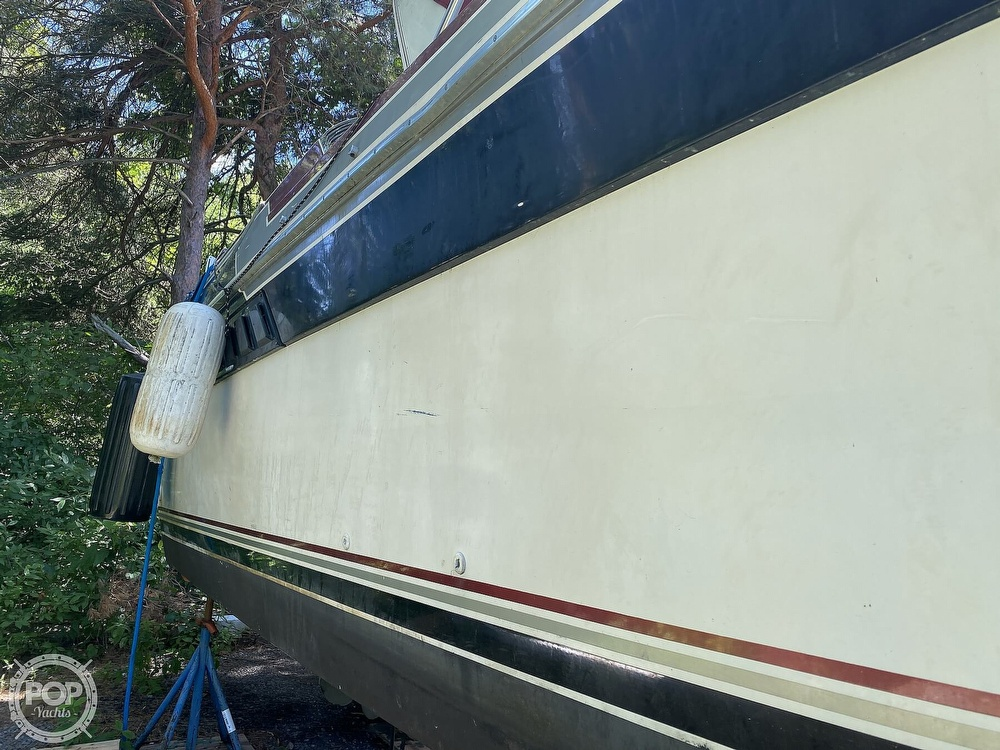 1989 Wellcraft boat for sale, model of the boat is 3200 St. Tropez & Image # 19 of 40