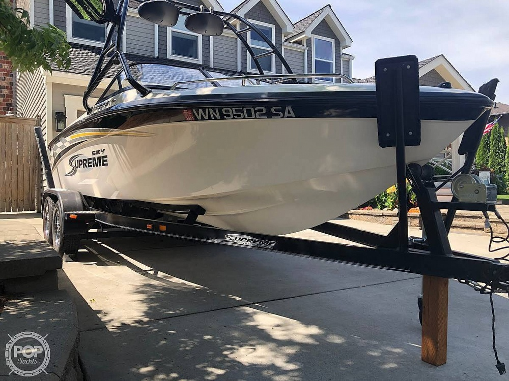 2005 Supreme boat for sale, model of the boat is V208 Sky & Image # 5 of 18