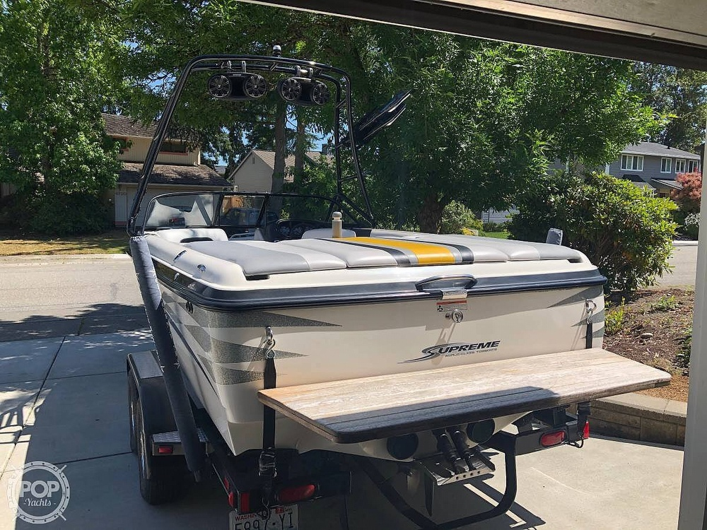 2005 Supreme boat for sale, model of the boat is V208 Sky & Image # 7 of 18