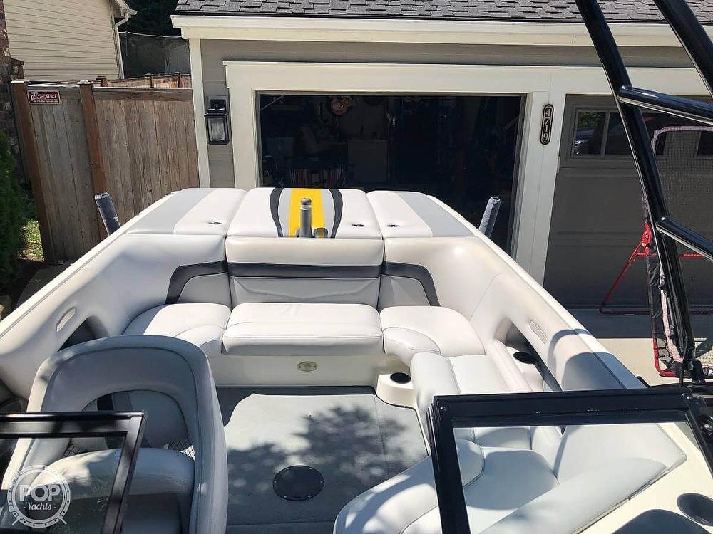 2005 Supreme boat for sale, model of the boat is V208 Sky & Image # 13 of 38