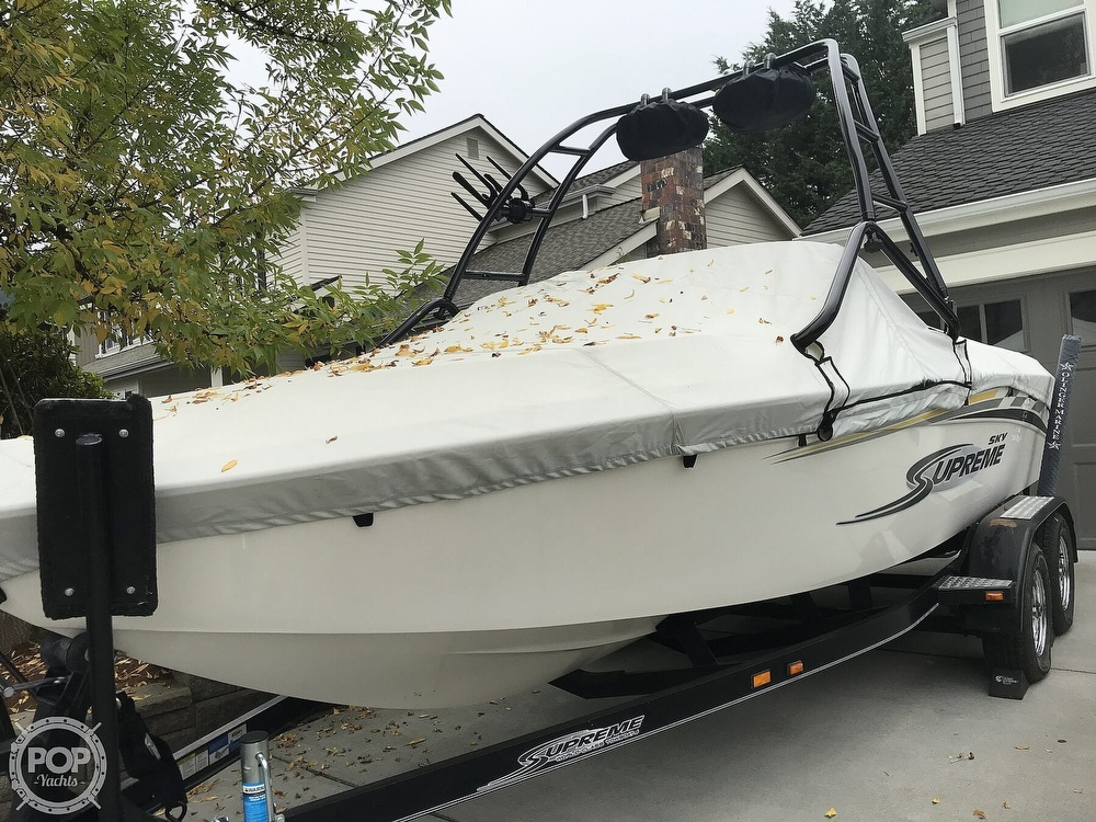 2005 Supreme boat for sale, model of the boat is V208 Sky & Image # 24 of 38