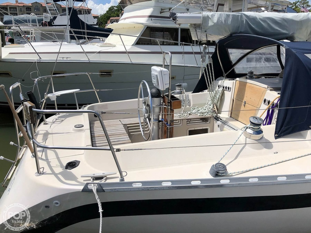 1980 Beneteau boat for sale, model of the boat is First 35 & Image # 27 of 40