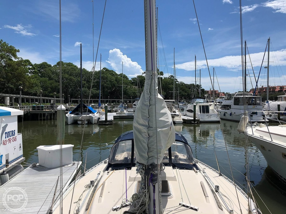 1980 Beneteau boat for sale, model of the boat is First 35 & Image # 28 of 40