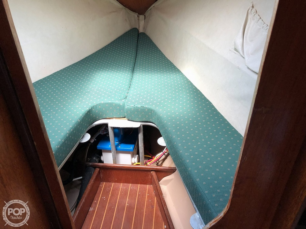 1980 Beneteau boat for sale, model of the boat is First 35 & Image # 15 of 40