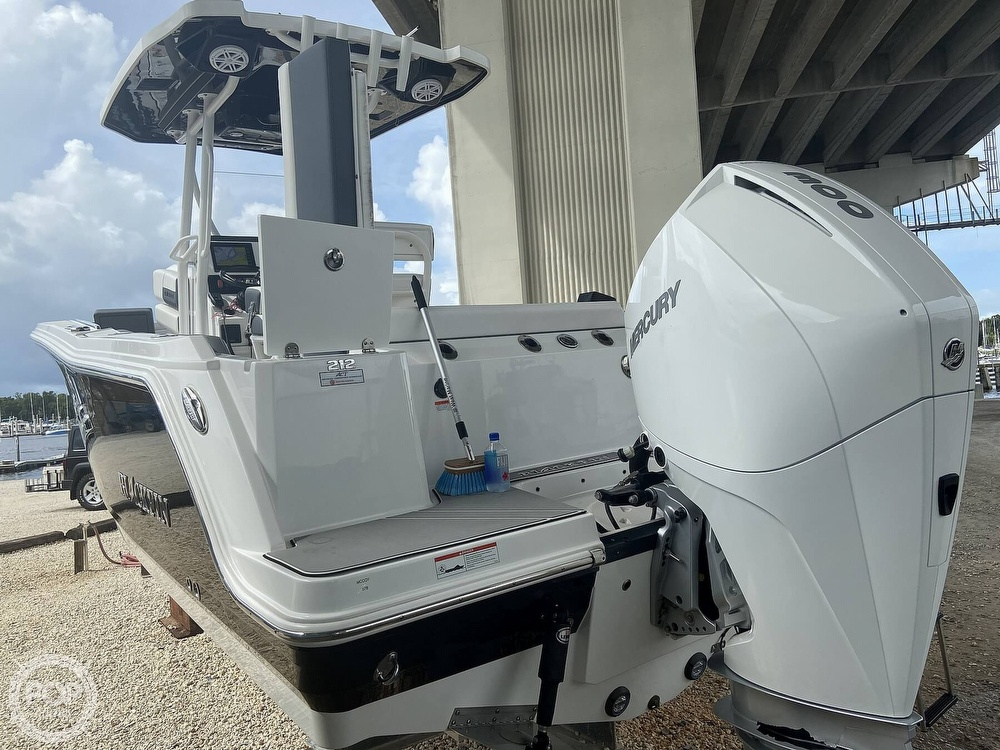 2019 Blackfin boat for sale, model of the boat is 212 CC & Image # 10 of 41