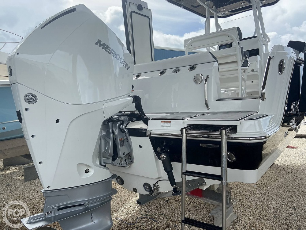 2019 Blackfin boat for sale, model of the boat is 212 CC & Image # 15 of 41