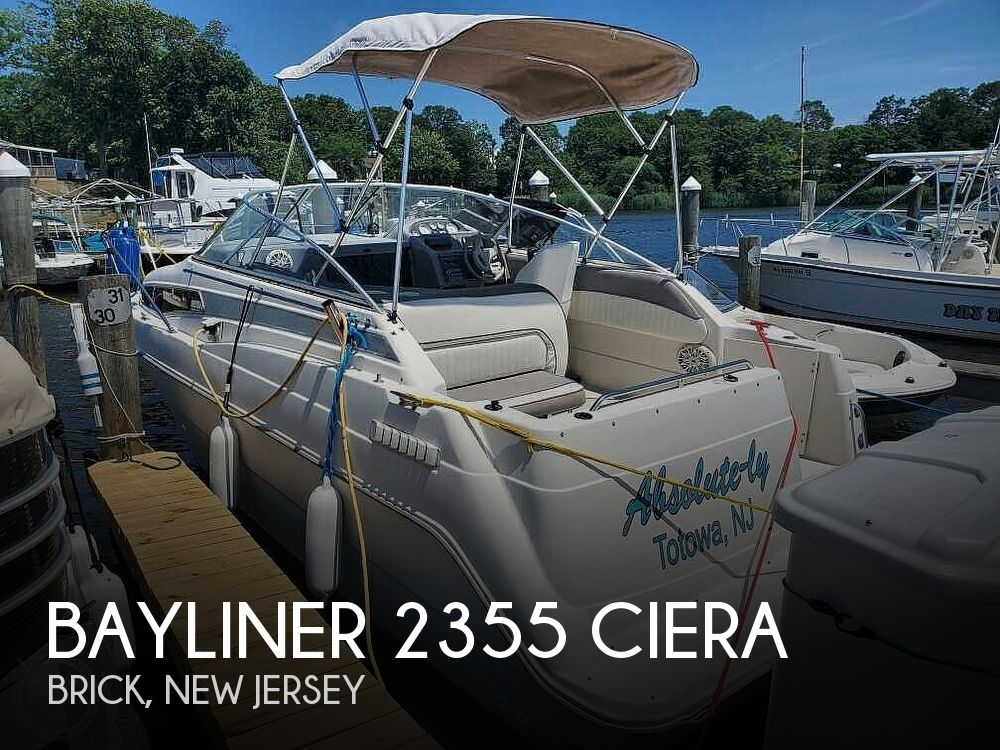 1994 Bayliner boat for sale, model of the boat is 2355 Ciera & Image # 1 of 40