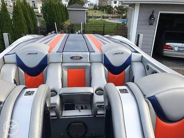 2015 Hustler boat for sale, model of the boat is 39 Rockit & Image # 3 of 8