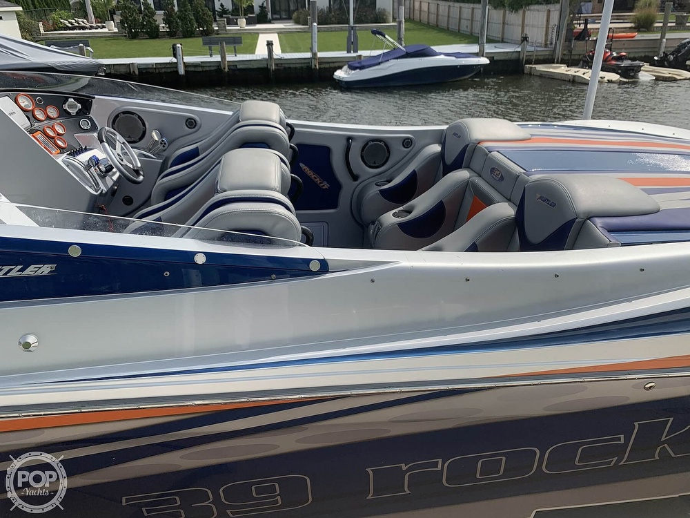 2015 Hustler boat for sale, model of the boat is 39 Rockit & Image # 25 of 40