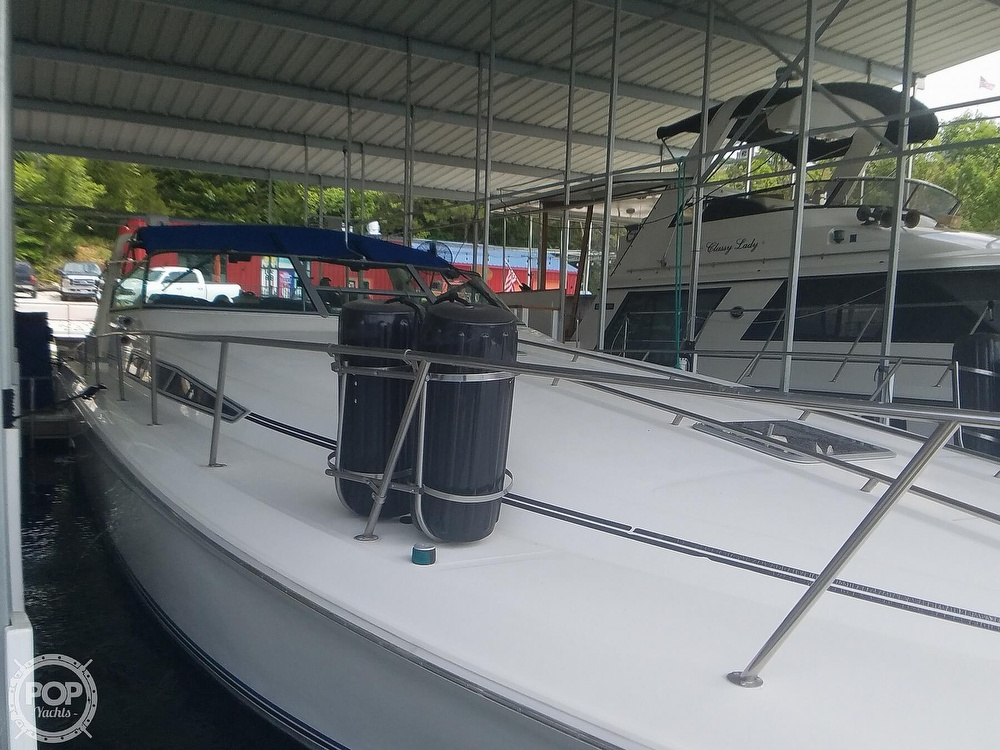 1991 Sea Ray boat for sale, model of the boat is Sundancer 440 & Image # 3 of 40